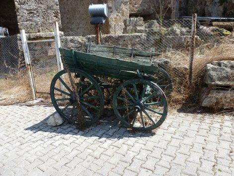 ganz alter Leiterwagen