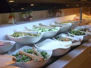 reiche Auswahl von Salaten