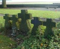 Steinkräuze an ewiges Gedenken der Toten