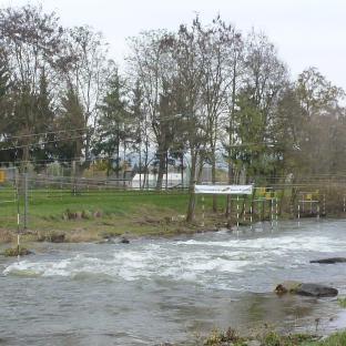 Wildwasserbahn für Kanus