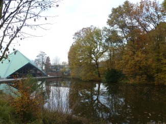 Der See an der Zeltkirche