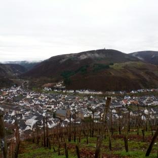 Weinberge und Weinort Dernau