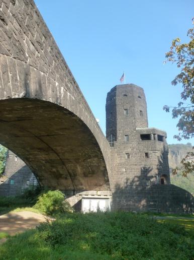 Restbrückenstrasse zum Turm