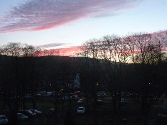 Die Sonne geht unter fast vorbei die schöne Pracht am Himmel