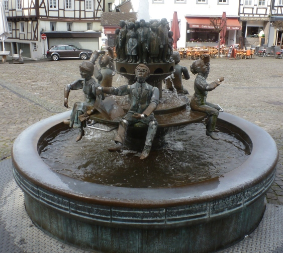 Andere Seite vom Brunnen